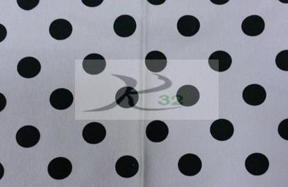 ผ้ายืดลายพิมพ์สีขาวลายจุดวงกลมดำ